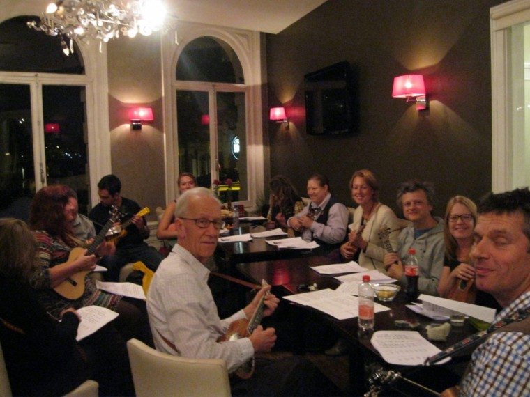 Ukulele Workshop at the Boutique Hotel View