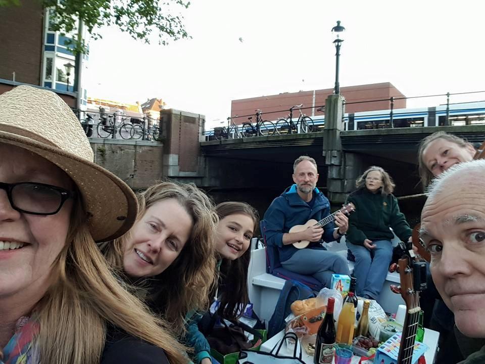ukulele-boat-trip